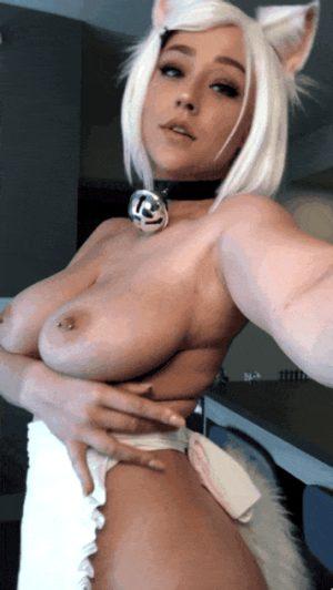 Big tittie Kitty dress up