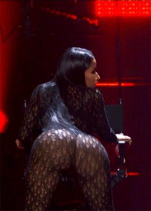 Minaj Twerking Like A Pro